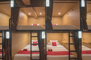 RedDoorz Hostel @ Paskal Hyper Square 2 Bandung - Double Bed in Mixed Dormitory 24 Hours Deal