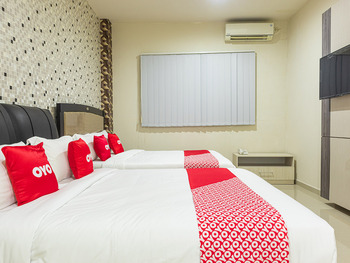 OYO 1977 Harvest Residence Kupang - Deluxe Family Room Promotion