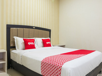 OYO 1977 Harvest Residence Kupang -  Standard Double Room Promotion