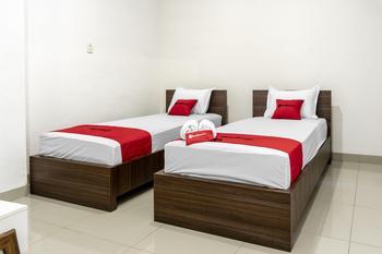 RedDoorz Syariah near Stadion Teladan Medan Medan - RedDoorz Twin Room Regular Plan