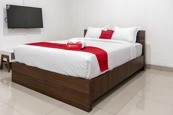 RedDoorz Syariah near Stadion Teladan Medan Medan - RedDoorz Room Basic Deal