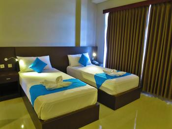 Akarsa Transit Bali - Twin Room with Breakfast Regular Plan