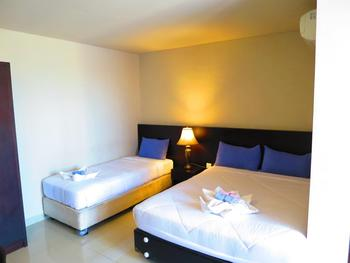 Akarsa Transit Bali - Triple Room with Breakfast Last Minute