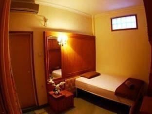 Brigittes House Padang - Single Private Room Regular Plan