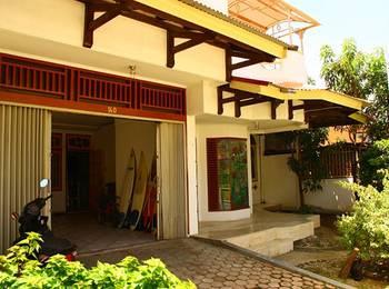 Brigittes House Padang - Kamar Asrama (Harga Per Orang) Regular Plan