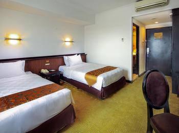 Jakarta Airport Hotel Tangerang - Superior Twin Room Regular Plan
