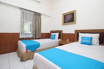Airy Mataram Cakranegara Pejanggik 127 Lombok Lombok - Standard Twin Room with Breakfast Special Promo 5