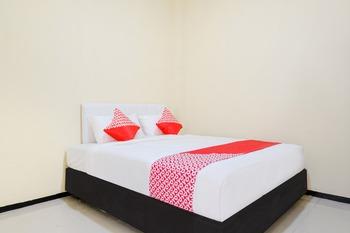 OYO 1468 SM House Malang - Standard Double Room Regular Plan