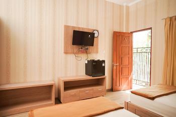 Mulia Homestay Labuan Bajo Manggarai Barat - Twin Room Best Deal