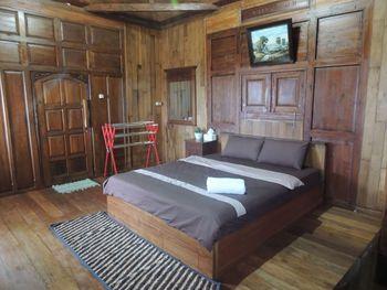 Singgasana Villa & Resto Wonosobo - Deluxe Cottage Room Only NRF Minimum Stay