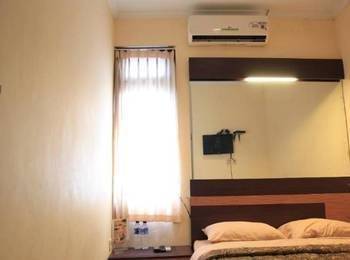 Khresna Guest House Jogja - Superior Room Regular Plan