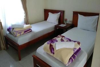 Green Hill Hotel Alahan Panjang Solok - Standard Twin Regular Plan