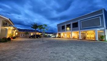 Zamrud Resort