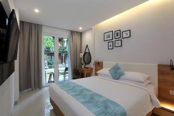 Matahari Bungalow Bali - Deluxe Double Room with Garden view  Regular Plan