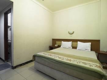 RedDoorz near Cihampelas Walk Bandung - RedDoorz Room Regular Plan