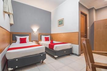 RedDoorz near Cihampelas Walk Bandung - RedDoorz Deluxe Twin Room 24 Hours Deal