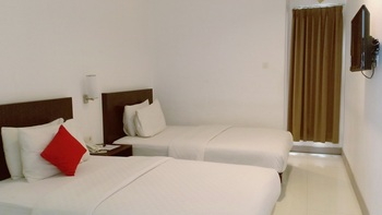 Hello Hotel Semarang Semarang - Deluxe Twin Room Only Regular Plan