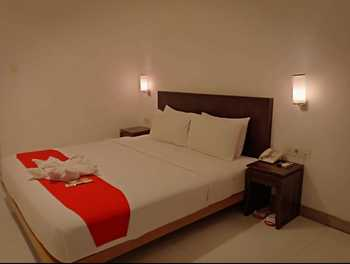 Hello Hotel Semarang Semarang - Deluxe King Room Only Regular Plan