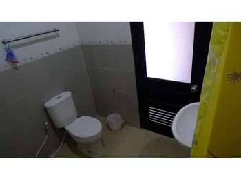 Family Guest House Surabaya - Twin Bedroom Regular Plan