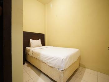 SPOT ON 2820 Hotel Perdana Palembang - SPOT ON Single Room Regular Plan
