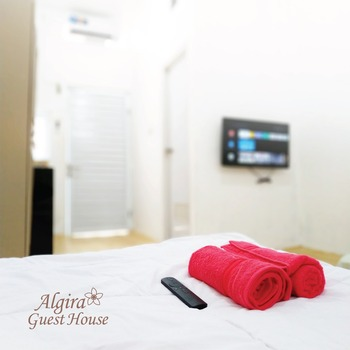 Algira Gunung Batu (Guest House) Bogor - Twin or Queen Bed Max Check-In 22.00, Pasangan Butuh Fc Sur Regular Plan