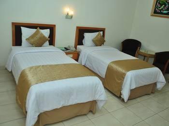 Ahadiat Hotel & Bungalow Bandung - Deluxe Twin With Breakfast Enjoy Bandung!