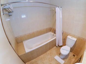 Ahadiat Hotel & Bungalow Bandung - Deluxe Double or Twin Room Only Regular Plan