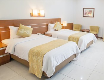 Ahadiat Hotel & Bungalow Bandung - Executive Room Save 25%