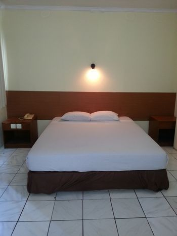 Hotel Lautze Indah Jakarta - Premium Room With Breakfast Regular Plan