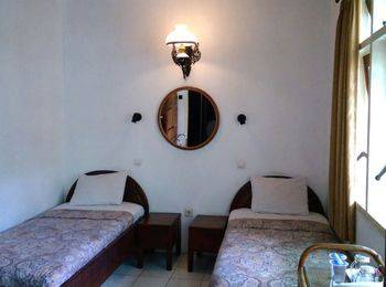 Hotel Bladok & Restaurant Jogja - Standard Fan Regular Plan