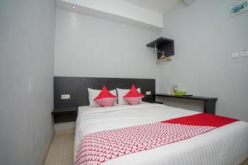 OYO 558 Maximus Prime Palembang - Standard Double Room Regular Plan