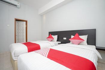 OYO 558 Maximus Prime Palembang - Standard Twin Room Regular Plan