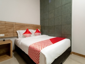 OYO 3159 Festive Inn Medan - Standard Double Room Regular Plan