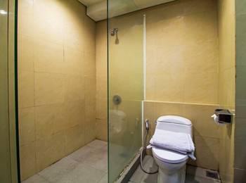 RedDoorz near RS Pertamina Jakarta - Reddoorz Room with Breakfast Regular Plan