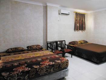 Focus Hotel Jakarta - Deluxe Room Regular Plan