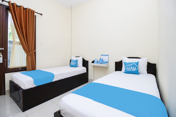Airy Eco Mataram Cakranegara Anggada 18 Lombok - Standard Twin Room with Breakfast Regular Plan