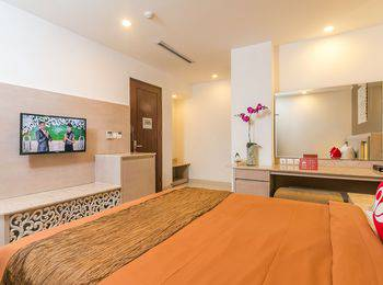 ZenRooms Kuta Angel Beach Bali - Double Room With Breakfast Special Promo