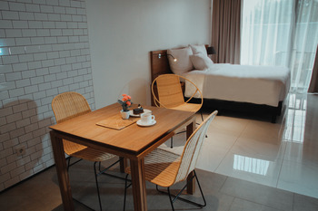 Nagomi Suites Jakarta - Deluxe King Suite Room Only TODAY SPECIAL OFFER