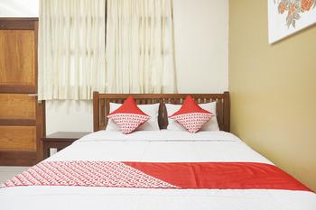 OYO 462 Nugraha Residence Yogyakarta - Standard Double Room Regular Plan