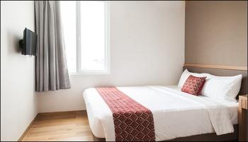 Hotel Grand Caman Bekasi - Deluxe Double Room Only Regular Plan
