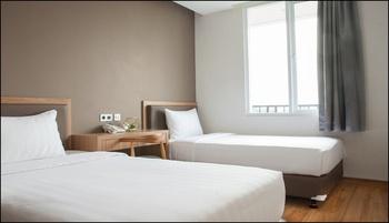 Hotel Grand Caman Bekasi - Deluxe Twin Breakfast Regular Plan