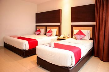 OYO 1009 Hotel Bumi Malaya Medan - Suite Triple Regular Plan