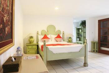 OYO 156 Wirasamala Villa Bogor - suite double  Regular Plan