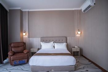 Goldvitel Hotel Surabaya - Junior Suite Room Breakfast Regular Plan