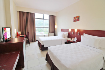 Swiss-Belhotel Manokwari Manokwari - Deluxe Twin Regular Plan