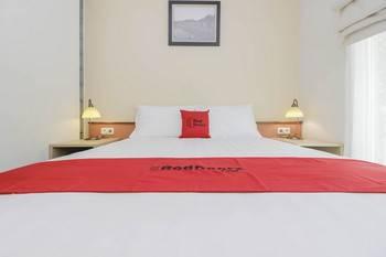 RedDoorz Syariah Plus @ Jatibening Bekasi - RedDoorz Room With Breakfast After Hours