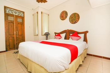 OYO 751 Hoormoes House Surabaya - Standard Double Room Regular Plan