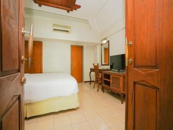 Hoormoes House By Ziri Surabaya - Deluxe Double Room Only Regular Plan