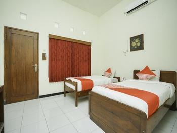 OYO 1999 Hotel Tentrem Syariah Probolinggo - Standard Twin Room Regular Plan