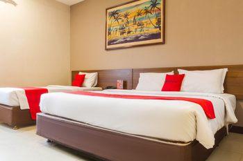 RedDoorz near Simpang Dago 2 Bandung - RedDoorz Family Room 24 Hours Deal